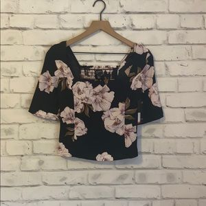 NWT Free Press floral puff top